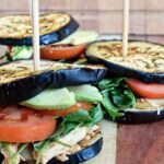 Aubergine sliders med pulled chicken