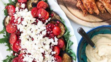 Sund salat med aubergine og tomat