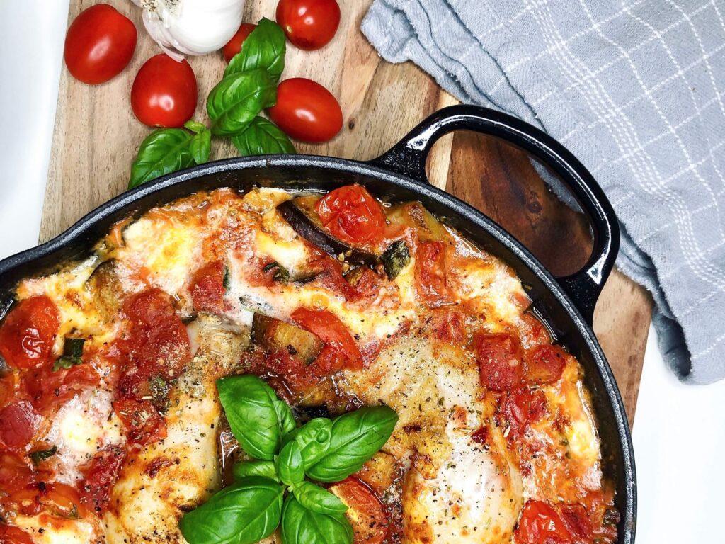 Kyllingelår i ovn med grøntsager