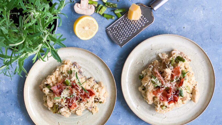 Risotto med kylling, asparges og svampe