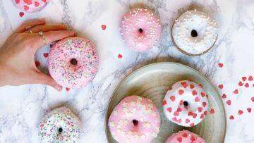 Hjemmelavede donuts med glasur