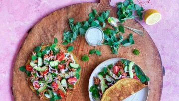Sunde grøntsagspandekager med krydret kylling