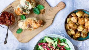 Kyllingeruller med pesto og mozzarella